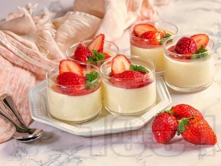 Панакота крем с кисело и прясно мляко (десерт с желатин) - снимка на рецептата